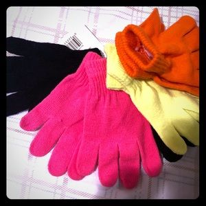Girls 4 pack gloves set